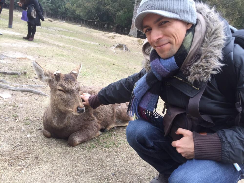 奈良県・奈良公園にて 旅行の行き先は夫婦で話し合って決め、めったに意見が割れることはないそう